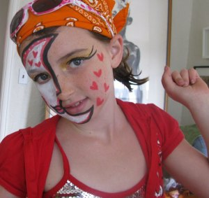 FACE PAINTING & CHEEK ART